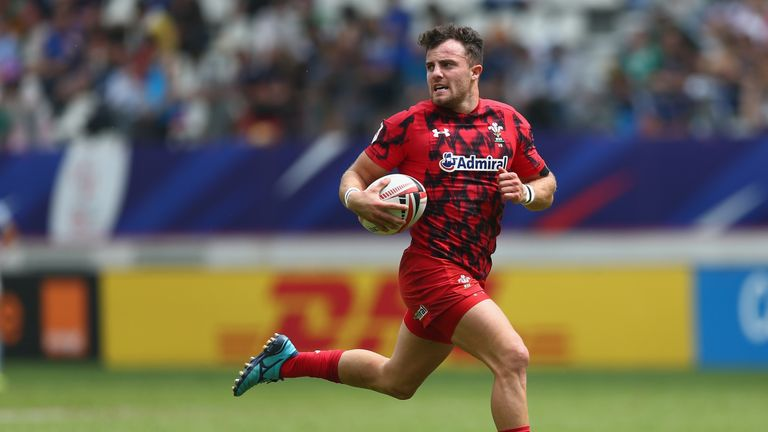Wales give Sevens star Morgan his shot