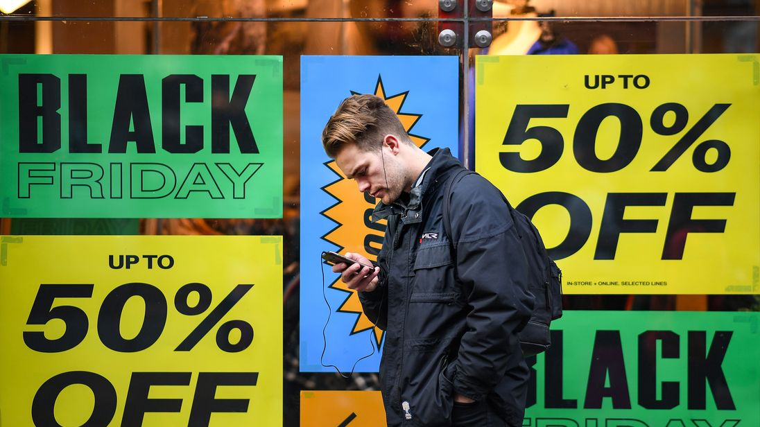 Shoppers tend to get their discounted goods online, rather than the high street