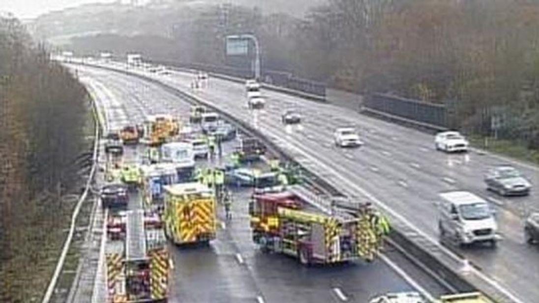 ambulances blocked from eight vehicle pile up on m25 by selfish