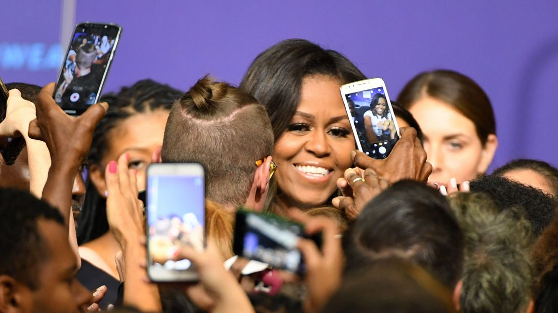 Gallup: Michelle Obama Beats Hillary Clinton as 'Most Admired' Woman