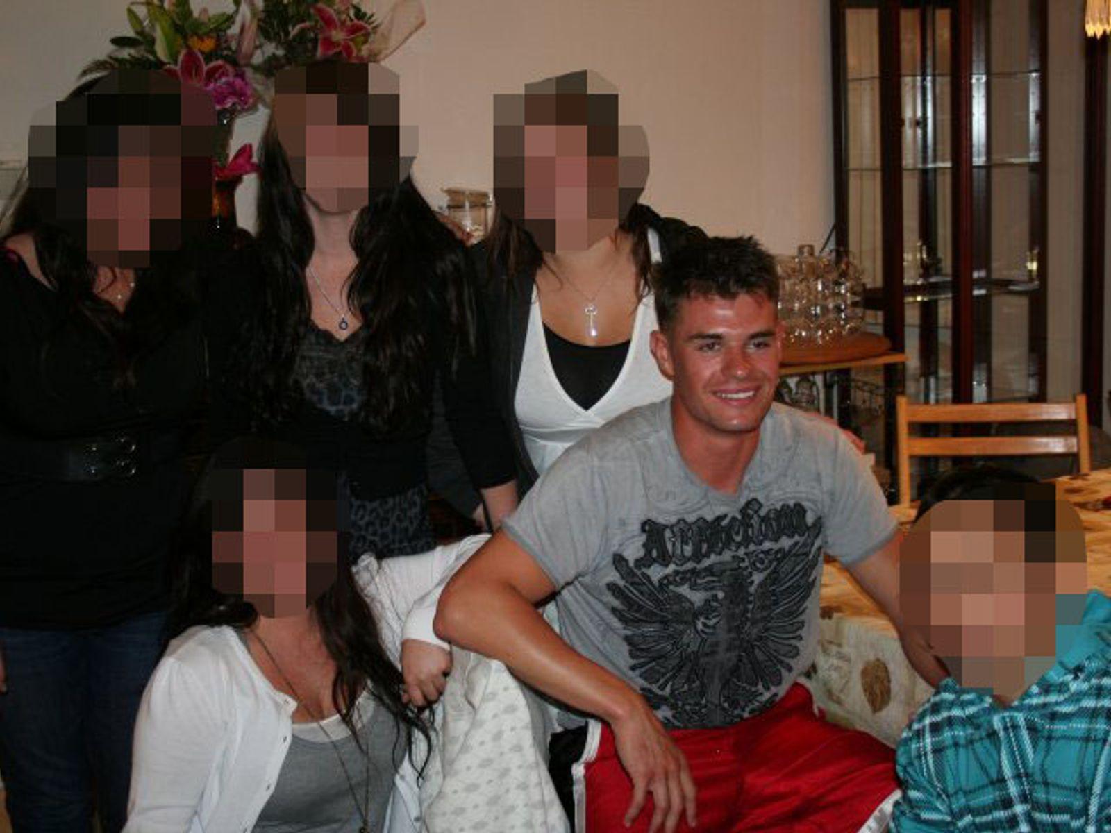 【銃乱射12人死亡】死亡した容疑者は28歳の元米海兵隊員でPTSD持ちか 米国LA