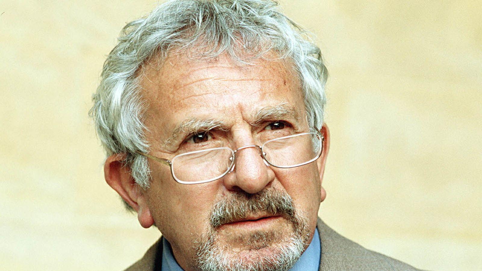 Vicar of Dibley actor John Bluthal dies aged 89
