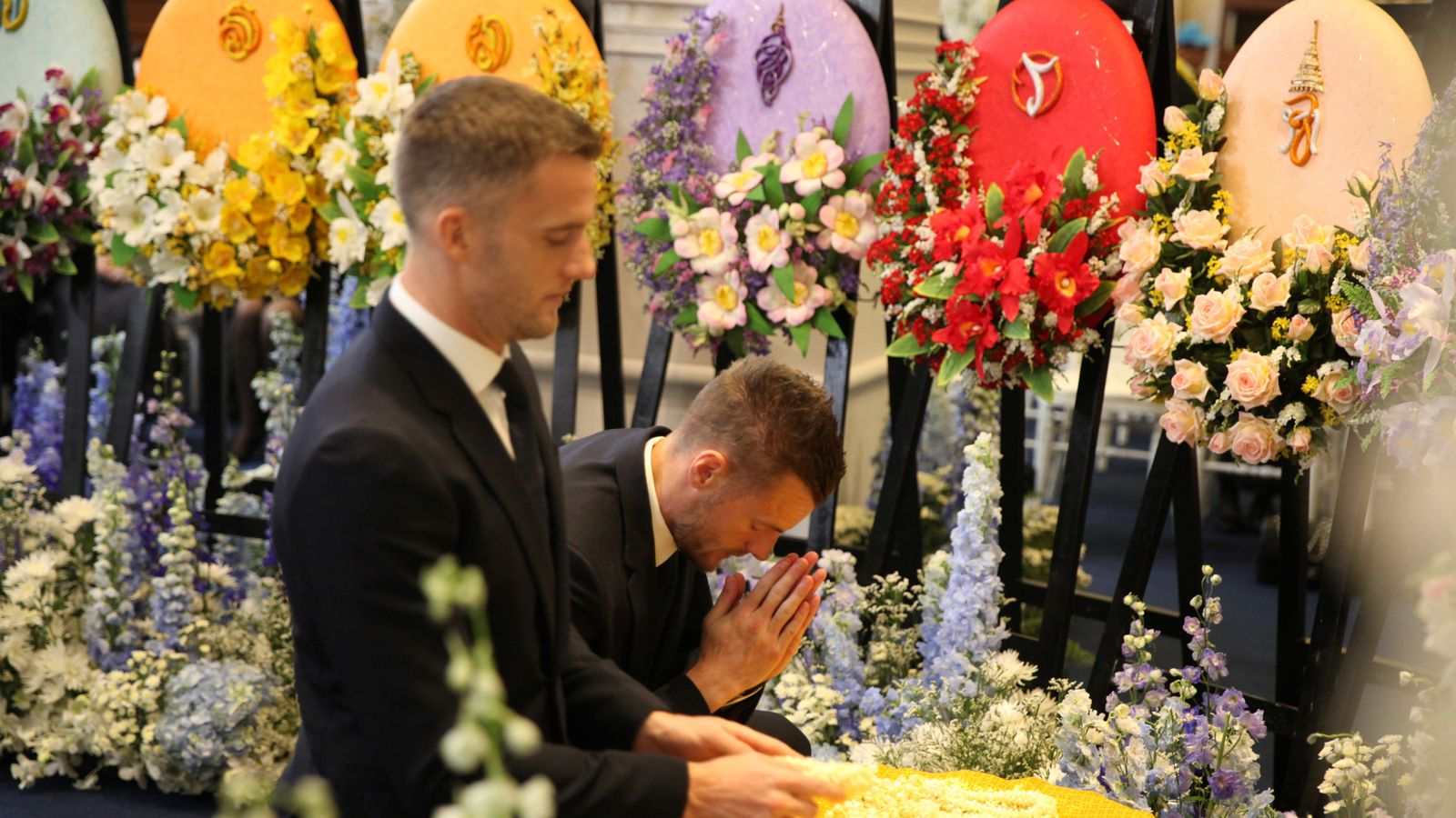 Leicester city players attend thai temple for funeral of club owner leicester city players attend thai temple for funeral of club owner vichai srivaddhanaprabha izmirmasajfo