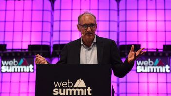 English scientist Tim Berners-Lee from the Web Foundation addresses the opening ceremony of the 2018 edition of the annual Web Summit technology conference in Lisbon on November 5, 2018. (Photo by FRANCISCO LEONG / AFP) (Photo credit should read FRANCISCO LEONG/AFP/Getty Images)