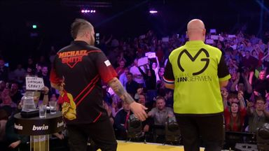 Tight finish to MVG v Smith