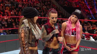 Riott addresses destroying Neidhart's glasses