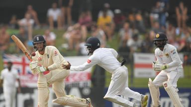 Bayliss: Burns, Foakes look calm