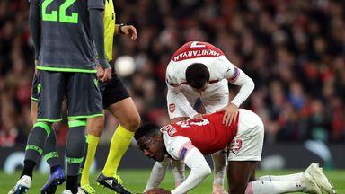 Arsenal wait on 'serious' Welbeck injury