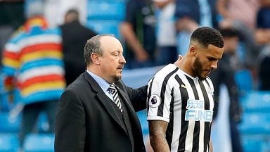 Benitez defends Lascelles on Ashley