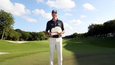 Kuchar hangs on for Mayakoba victory