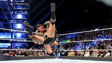 Orton's Mysterio attack fails