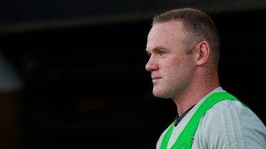 Rooney trains with England squad