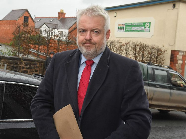 Carwyn Jones says he was not aware of Mr Sargeant's depression