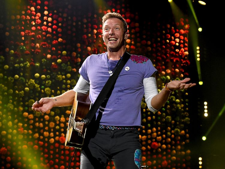 Chris Martin of Coldplay performs at the Rose Bowl on October 6, 2017 in Pasadena, California.