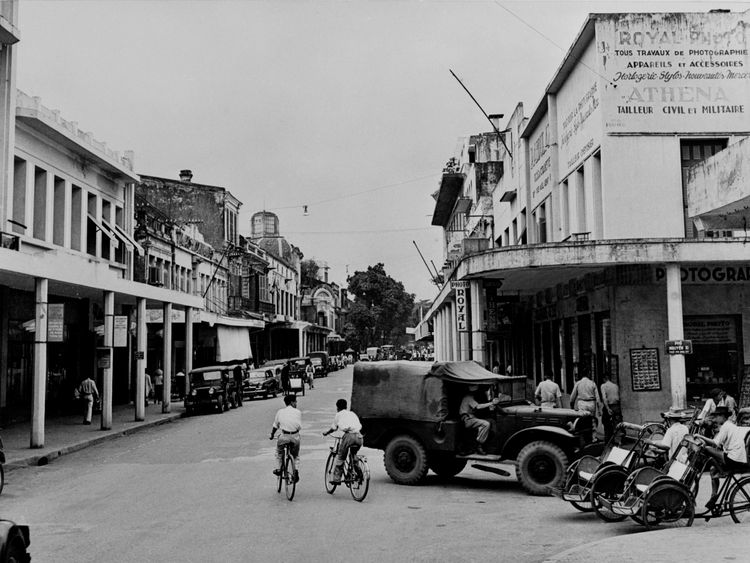 The entrance to Nyugen Xi street in Hanoi in 1954, at the end of the First Indochina War