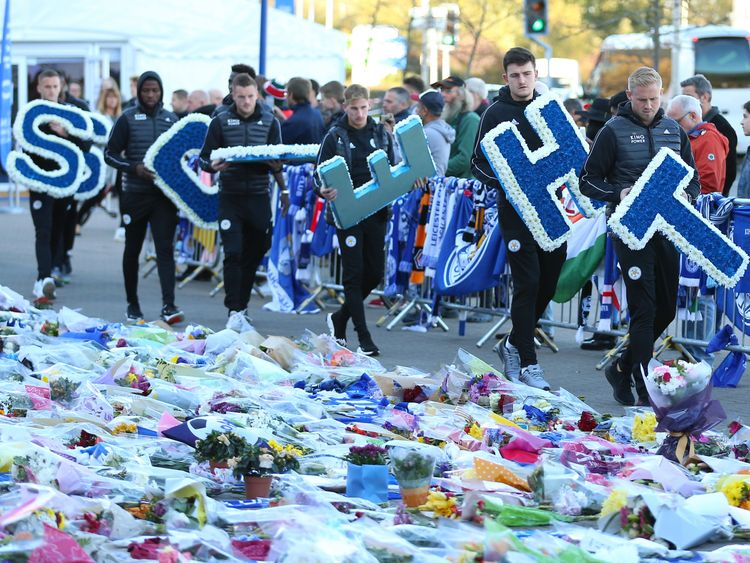 Vardy, grieving Foxes to attend Vichai's funeral Sunday