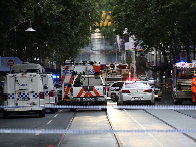 3 stabbed in Melbourne terror attack, Australia/NZ News & Top Stories