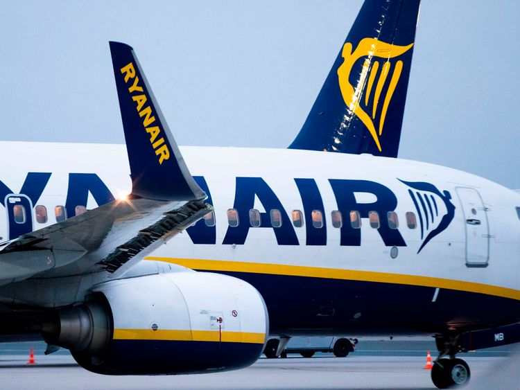 Ryanair sacks staff over 'staged' photo on airport floor
