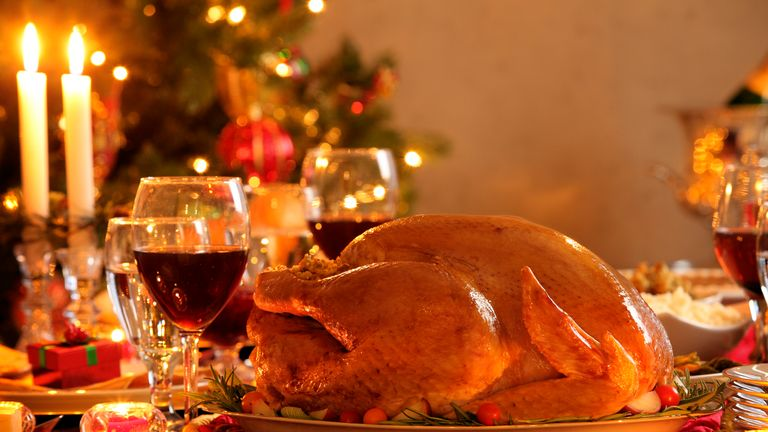 Christmas Dinner.How The Traditional Christmas Dinner Is Becoming