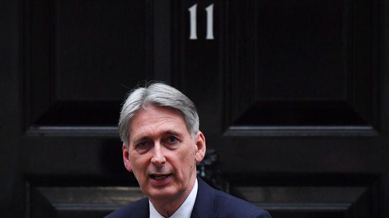 Philip Hammond will share Treasury analysis covering a 'range of scenarios'
