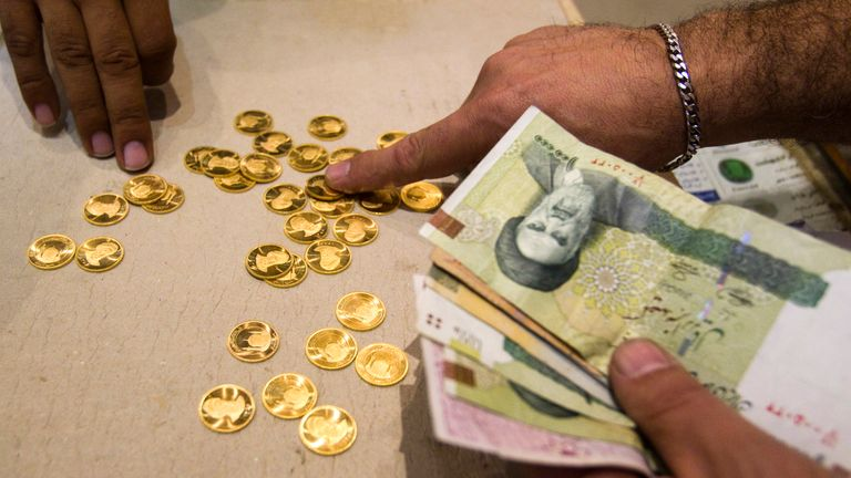 Restrictions on the sale of Iranian gold and money have been imposed by the US