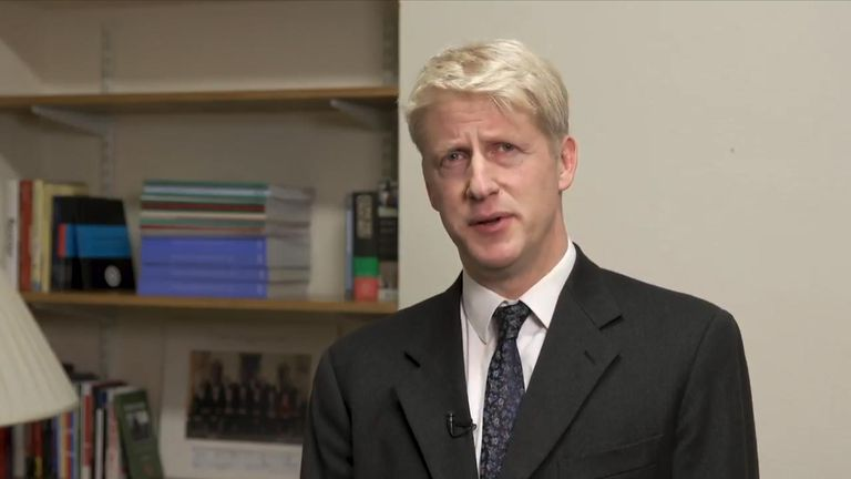 Jo Johnson resigns as transport minister