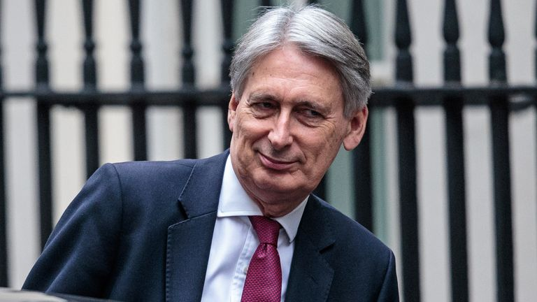 Philip Hammond will share Treasury analysis covering a 'range of scenarios'