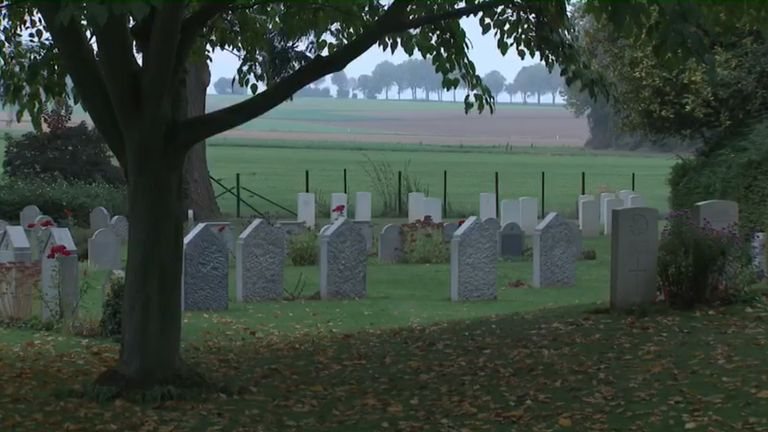 St Symphorien contains the graves of 513 soldiers