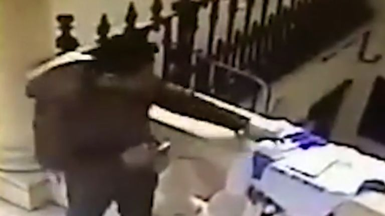 Thief at Thai embassy in London
