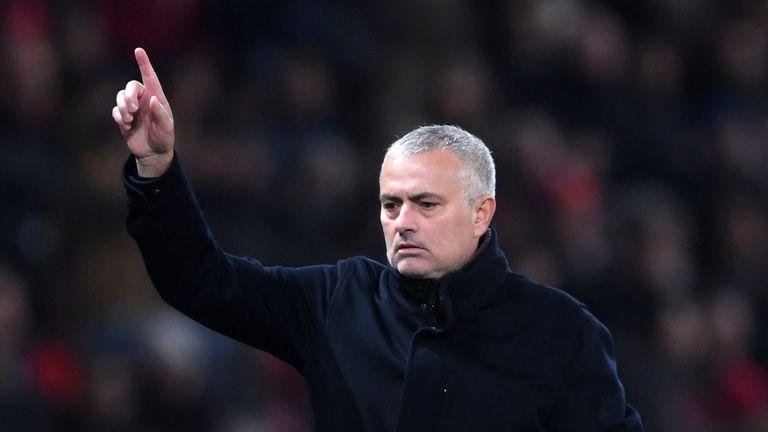 Ryan Giggs backs Jose Mourinho to turn Manchester United around | Football News |