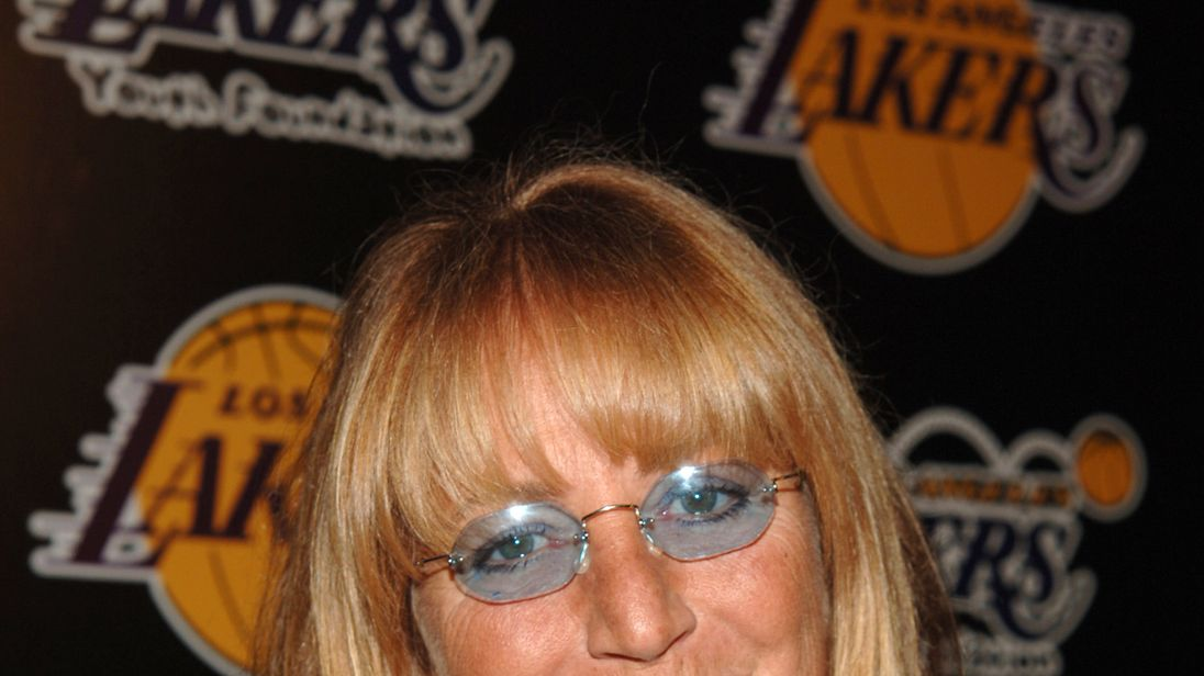 Iconic actress Penny Marshall dead at 75