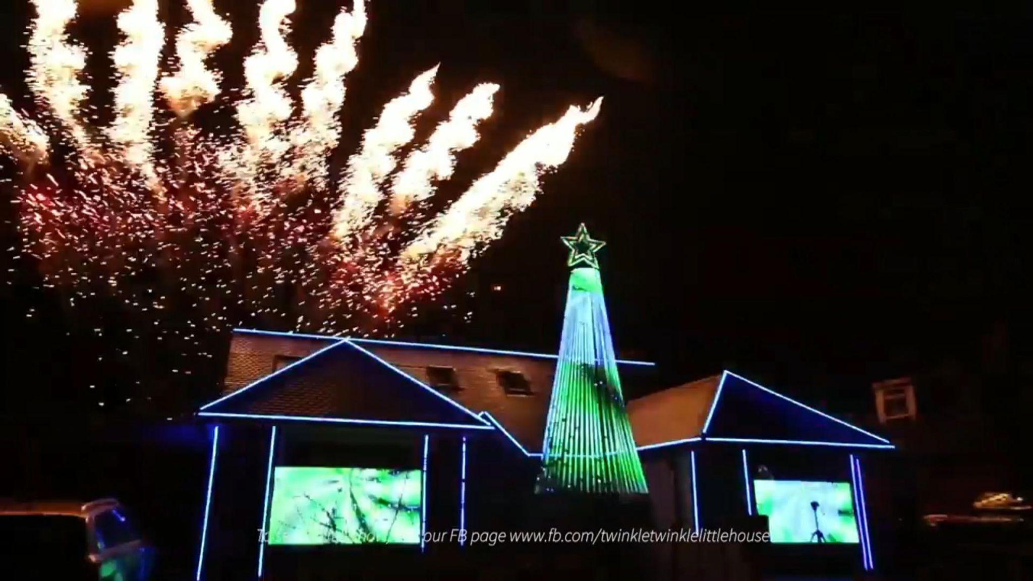 Christmas Lights Show Near Me.Dad Adorns Surrey Home With 22 500 Christmas Lights For