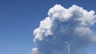 Ten hurt as Mount Etna eruption triggers earthquake
