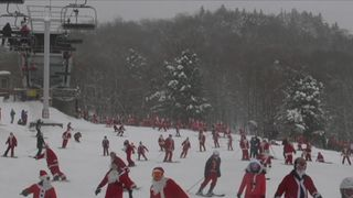 Skiing Santas take to the slopes in Maine