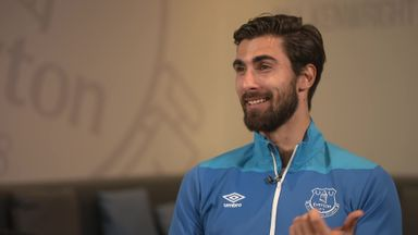 Gomes loving life at Everton