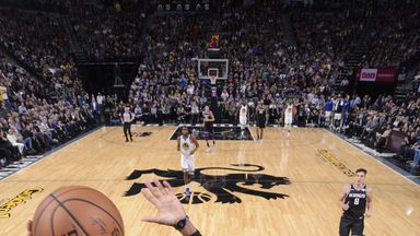 Curry drops 35 on the Kings