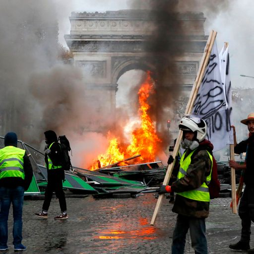 Riots force Paris shut down