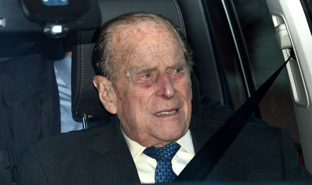 Duke of Edinburgh crash: Who would be able to stop Prince Philip driving again?