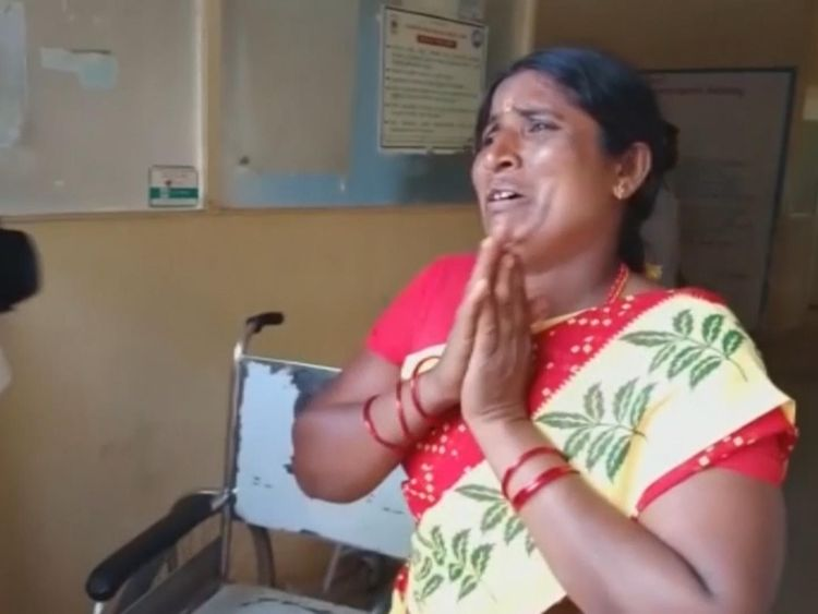 Suspected food poisoning kills 11 at Indian temple