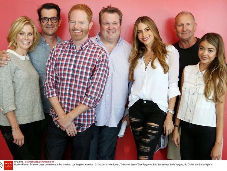 Modern Family: Julie Bowen, Ty Burrell, Jesse Tyler Ferguson, Eric Stonestreet, Sofia Vergara, Ed O'Neill and Sarah Hyland