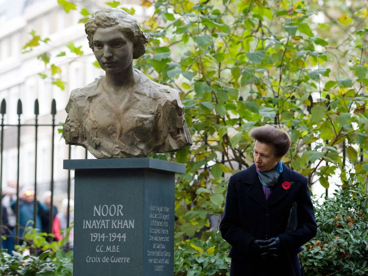 Noor Inayat Khan, Britain's first Muslim war heroine, has been suggested for the new banknote