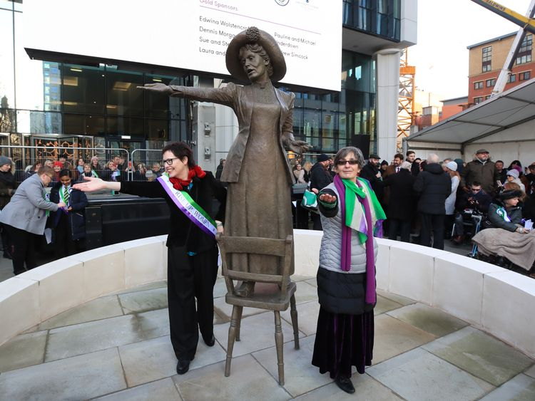 Sculptor Hazel Reeves (left) at the unveiling of her statue, with Emmeline Pankhurst's great granddaughter, Helen