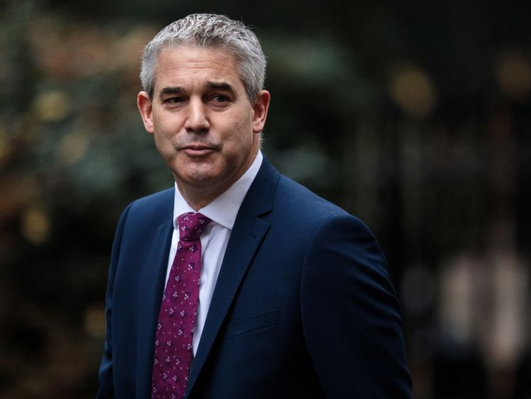 LONDON, ENGLAND - DECEMBER 18: Brexit Secretary Stephen Barclay arrives for the weekly Cabinet meeting at Number 10 Downing Street on December 18, 2018 in London, England. Yesterday, Prime Minister Theresa May announced that she was delaying a parliamentary vote on her proposed Brexit deal until January 14, prompting Labour leader Jeremy Corbyn to move for a vote of no confidence. (Photo by Jack Taylor/Getty Images)