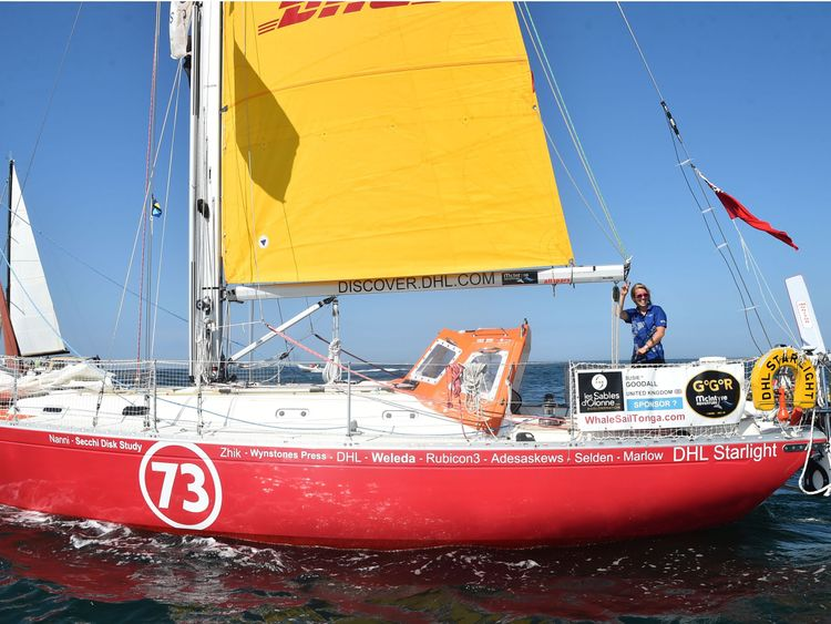 Round-the-world British sailor being rescued at sea after losing mast