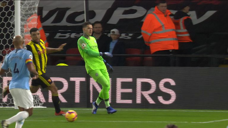 Manchester City goalkeeper Ederson's two no-look passes | Football News |