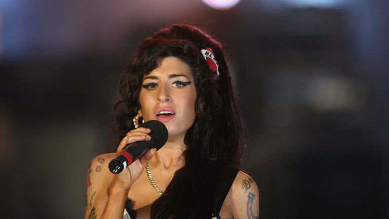 Amy Winehouse performs during the 46664 concert in celebration of Nelson Mandela's life at Hyde Park on June 27, 2008 in London, England.  (Photo by Dan Kitwood/Getty Images)