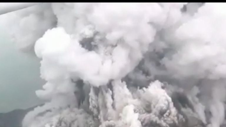 Indonesia's Anak Krakatau erupts again