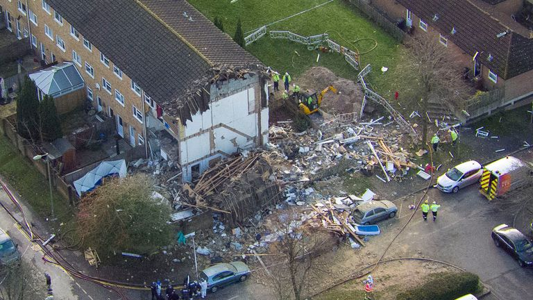 An aerial view of the scene in Launcelot Close, Andover
