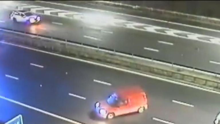 Drunk driver on M4 near Reading is stopped by police