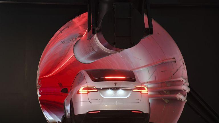 Musk tunnel